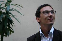 Sociologie et diplômé de relations internationales et d'études latino-américaines, ses travaux à l'EHESS (Centre d'analyses et d'interventions sociologiques (CADIS)) portent sur les questions internationales, religieuses et de cohésion sociale.